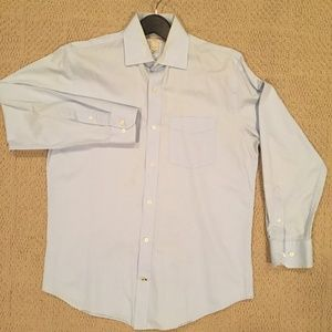 Banana Republic Light Blue Button-Down (M)